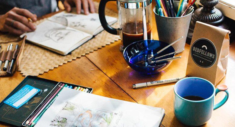 一支笔,拥粉近千万,赵小黎是如何在绘画领域一路蹿红的?